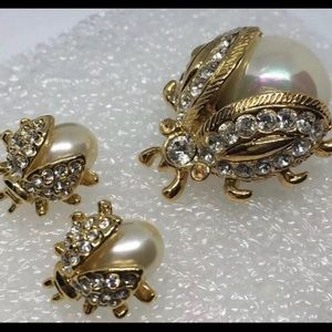 Jewelry - Lady bug brooch and earring set vintage faux pearl